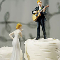 CAKE TOPPER - LOVE SERENADE