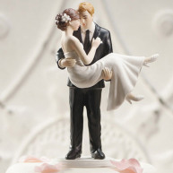 CAKE TOPPER - GROOM CARRIES IN HIS ARMS THE BRIDE