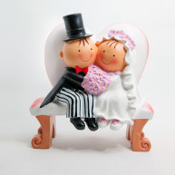 CAKE TOPPER BRIDE AND GROOM ON A BENCH